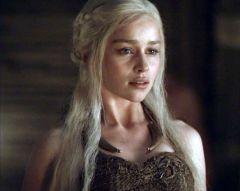 Daenerys-targaryen-emilia-clarke